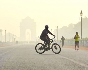 Delhi-NCR air very poor; favourable wind from Sun