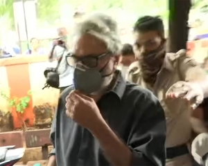 Director Bhansali reaches police station to record statement