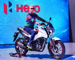 Hero MotoCorp unveils new products, announces Rs 10,000 crore investments
