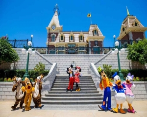 Hong Kong Disney park closes again after new restrictions