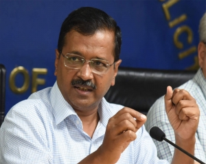 Kejriwal appeals to migrant workers not to leave, says arranging food, shelter for them