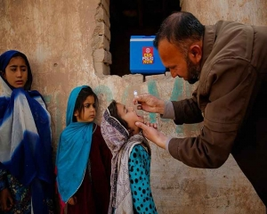 Pakistan launches nationwide anti-polio campaign
