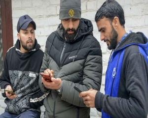 R Day celebrations: Mobile phone services snapped in Kashmir