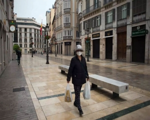 Spain reports slight drop in daily virus deaths