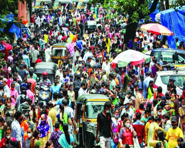 'High R-factor signals rising risk in States'