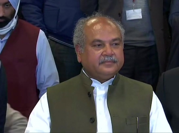 Cong leaders laugh at Rahul's remarks, party had promised similar laws: Tomar