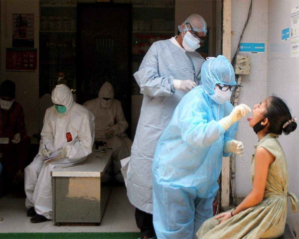 India's COVID-19 active cases breach 11-lakh mark for first time, record daily high of 1,52,879