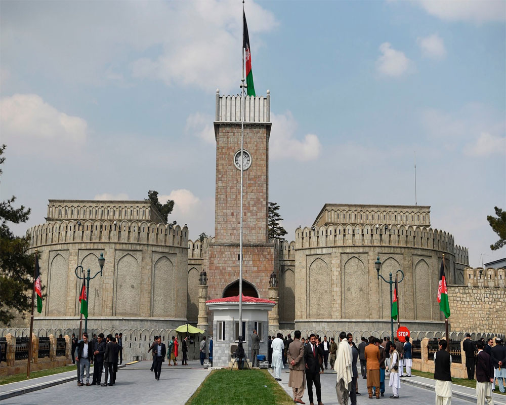 Afghan official says rockets hit near presidential palace
