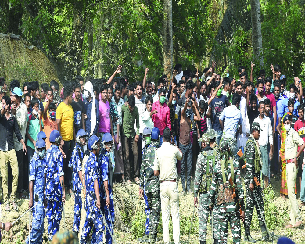 Bengal votes amid rigging cry