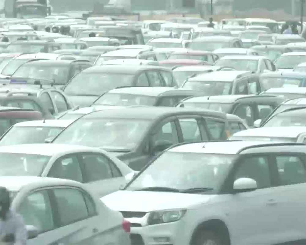 Bharat Bandh: Parts of Delhi witness traffic snarls due to road closures, diversions