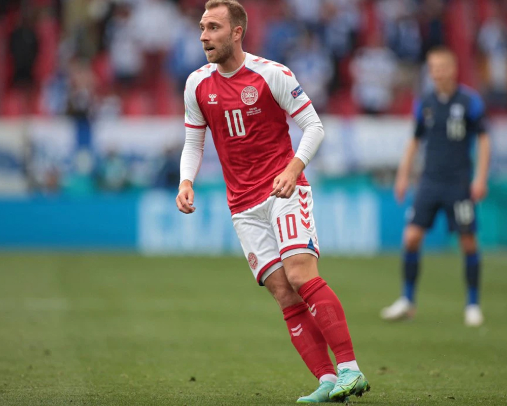 Eriksen sends 'his greetings' to teammates after collapse