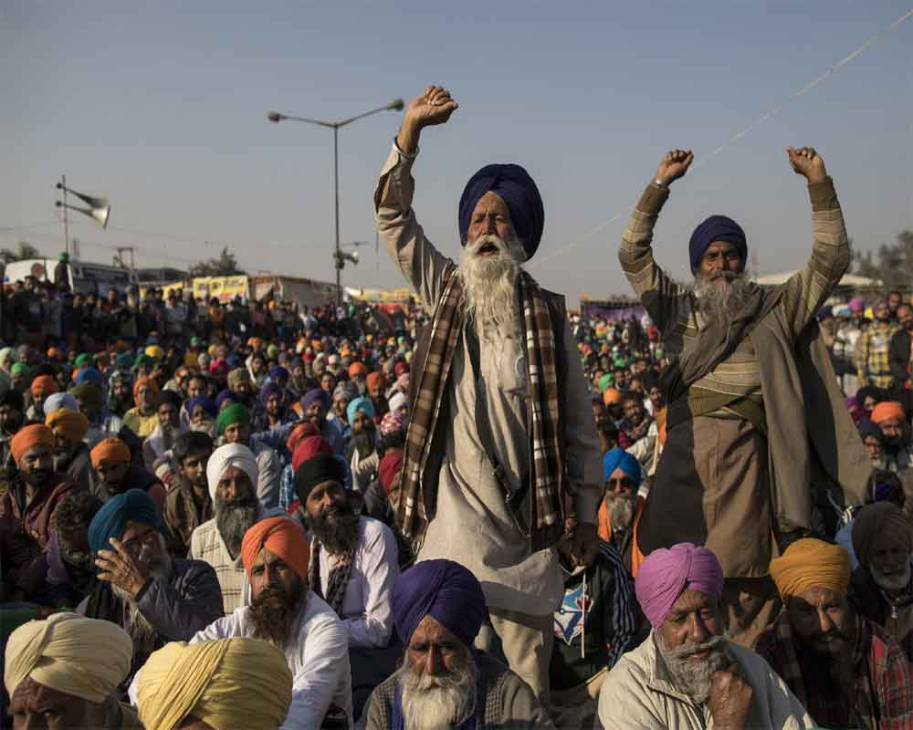 Farmers block highway; demand release of protesters, withdrawal of sedition charges