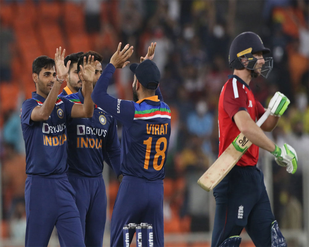 India beat England by seven wickets in second T20 to level series