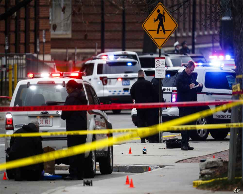 Police: Shooting at Chicago gathering leaves 1 dead, 7 hurt