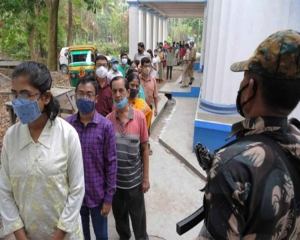 Bengal polls: 4 killed as central forces 'open fire' after coming under attack