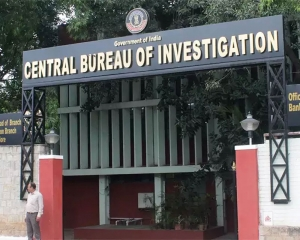 CBI recovers Rs 1.12 cr cash during searches at Delhi Police sub-inspector's house