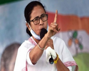 Central forces helping BJP under instructions from Amit Shah: Mamata