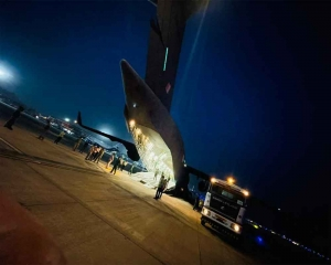 IAF aircraft delivers supplies to Lucknow for setting up COVID hospital