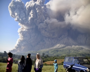 Indonesia's Sinabung Volcano spews high column of ash