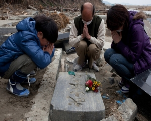 Japan marks 10th disaster anniversary but still recovering