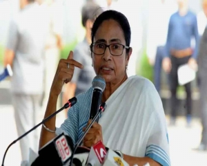 Mamata directs officials to prepare for cyclone amid warning