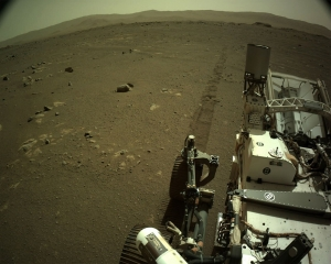 Mars rover sends back grinding, squealing sounds of driving
