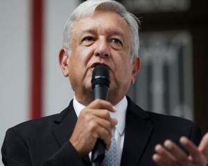 Mexico's president knocks US over vaccines