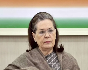 Modi govt has mismanaged situation, says Sonia in Covid meet