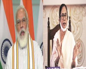 Modi tempers attack on Mamata as he winds up Bengal campaign, says state needs peace for development