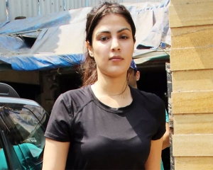 NCB moves SC against Bombay HC order granting bail to actress Rhea Chakraborty in drugs case