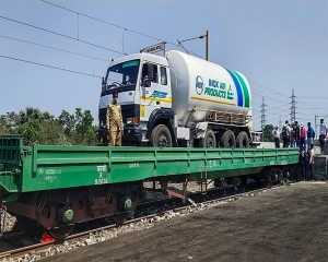 Oxygen Express train begins journey from Maharashtra's Kalamboli to get loaded in Vizag