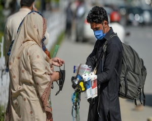 Pakistan reports highest single-day coronavirus spike in 2021 with over 6,000 cases