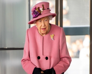 Queen back at Windsor Castle home after brief hospital stay