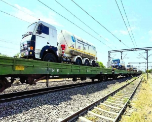 Rlys delivers over 5,000 tonne of LMO in 22 days; U'khand set to be 9th state to receive O2 from IR