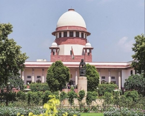 SC stays HC's contempt proceedings against Centre, seeks report on  supply of 700 MT oxygen to Delhi