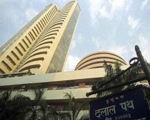 Sensex tumbles over 350 pts in early trade; Nifty drops below 17,500