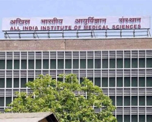 Strict lockdown should be clamped in areas with COVID positivity rate of over 10 pc: AIIMS director