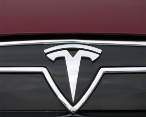 Tesla releases driver monitoring system using cabin camera