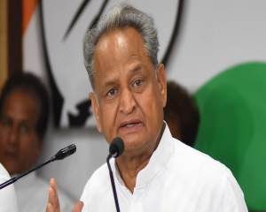 Vardhan's politically motivated response to Manmohan Singh unfortunate,  condemnable: Gehlot