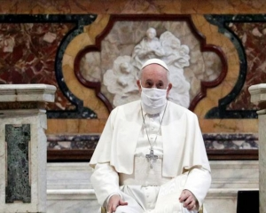 Vatican: Pope receives coronavirus vaccine