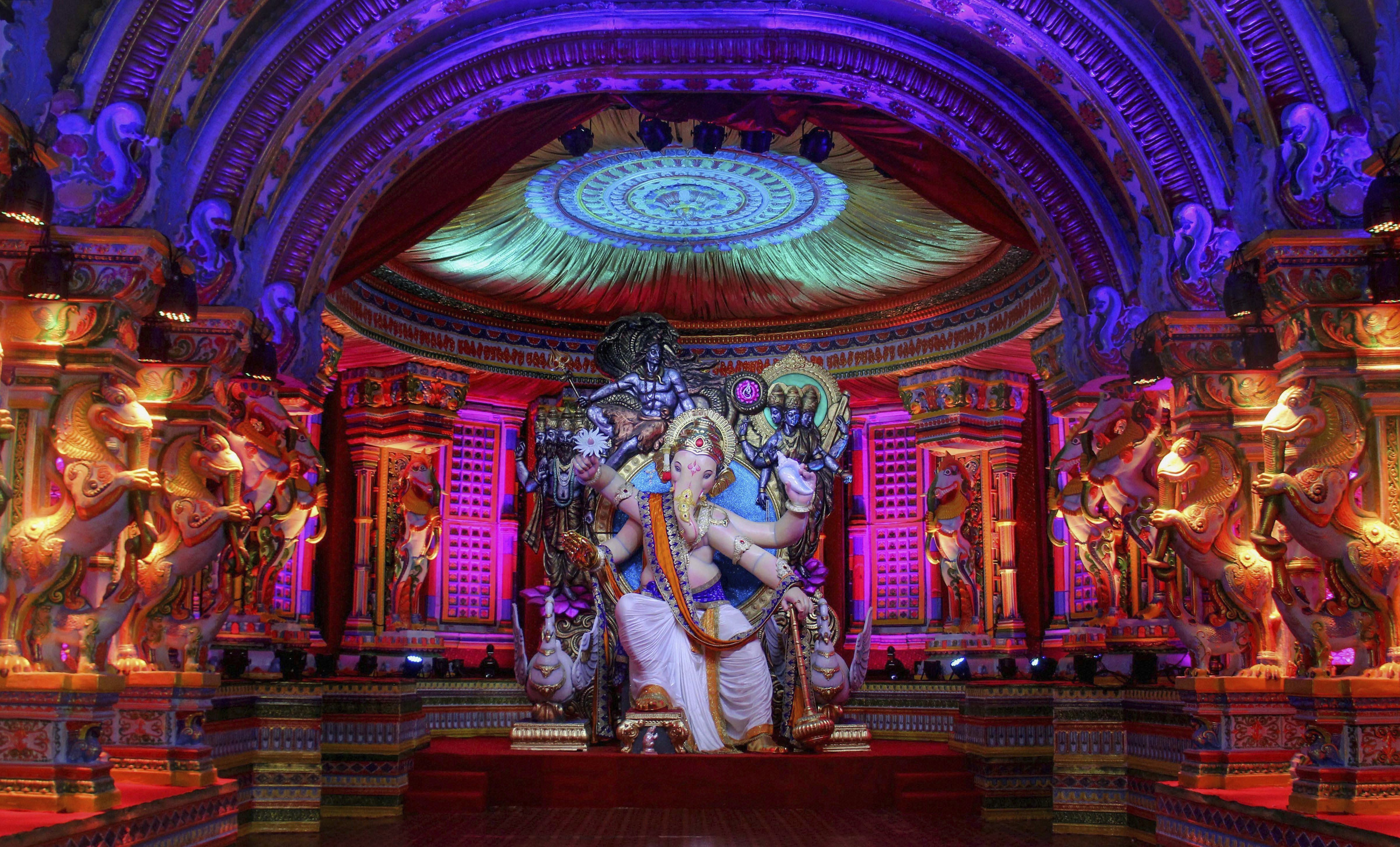 The first look of 'Chintamani 2018' on the eve of Ganesh Chaturthi festival, at Chinchpokli in Mumbai - PTI