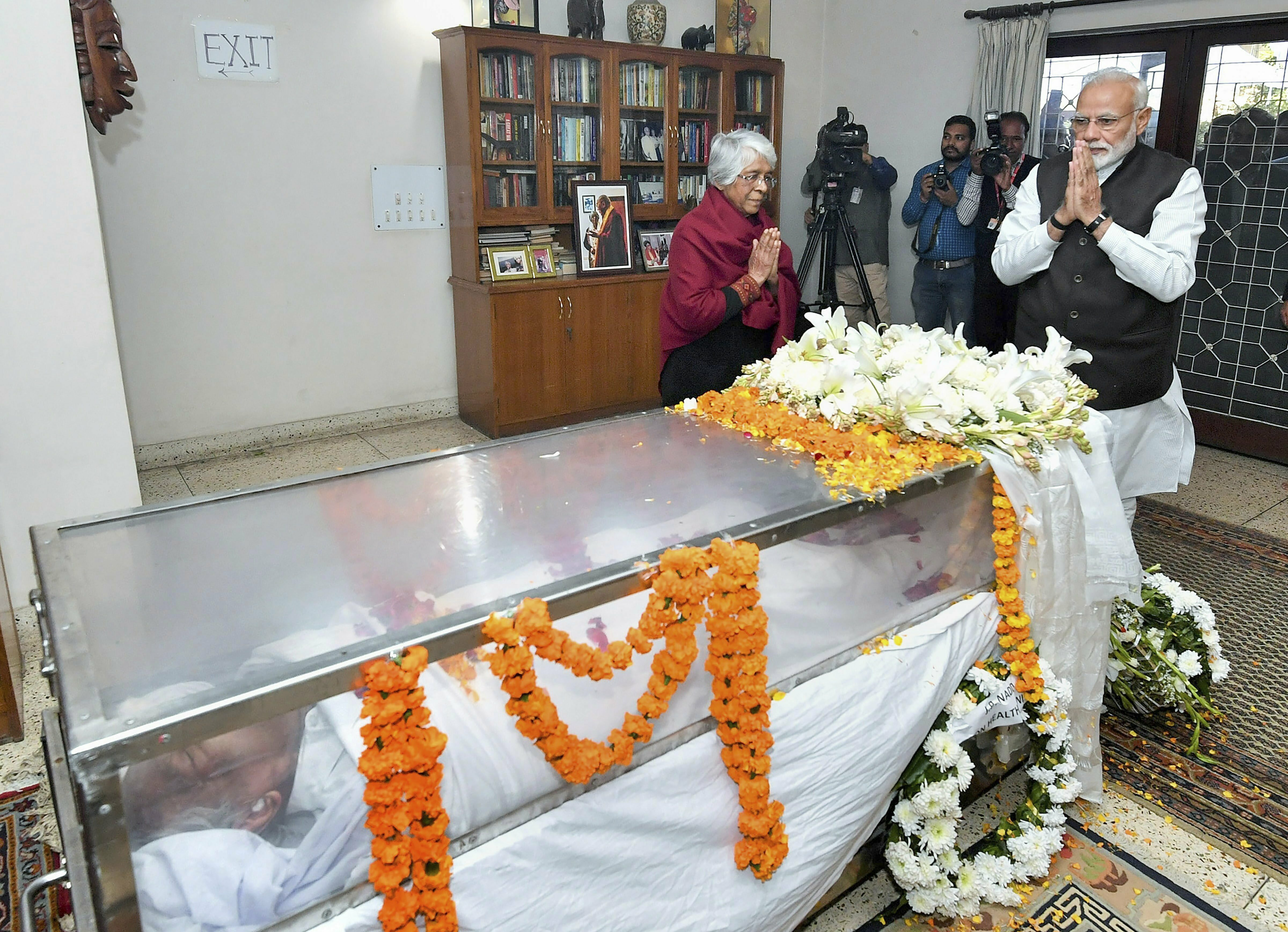 Prime Minister Narendra Modi pays his last respects to the former defence minister George Fernandes, in New Delhi - PTI