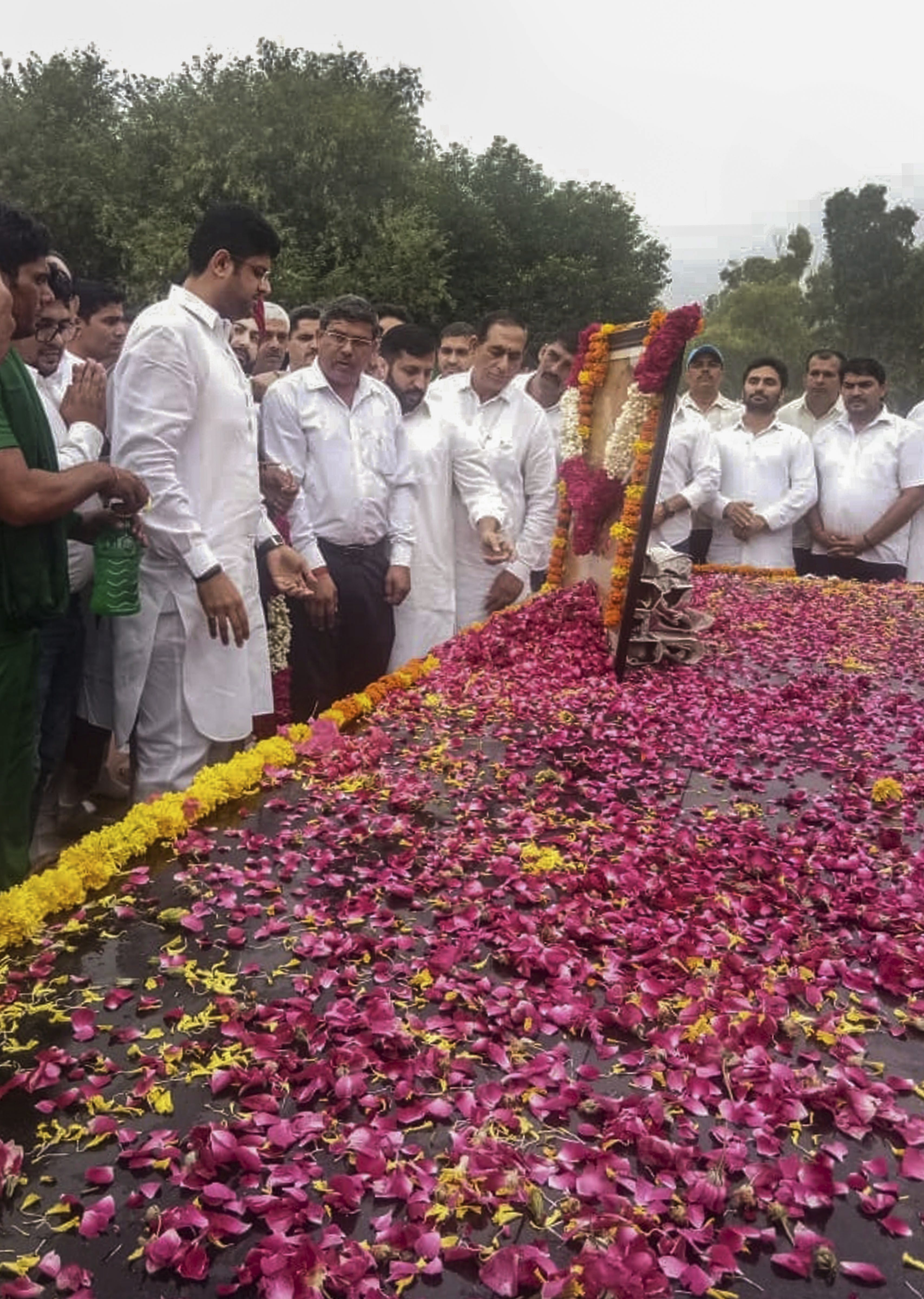 INLD MP Dushyant Chautala pays homage to Ch Devi Lal on his 105th birth anniversary in Hisar - PTI