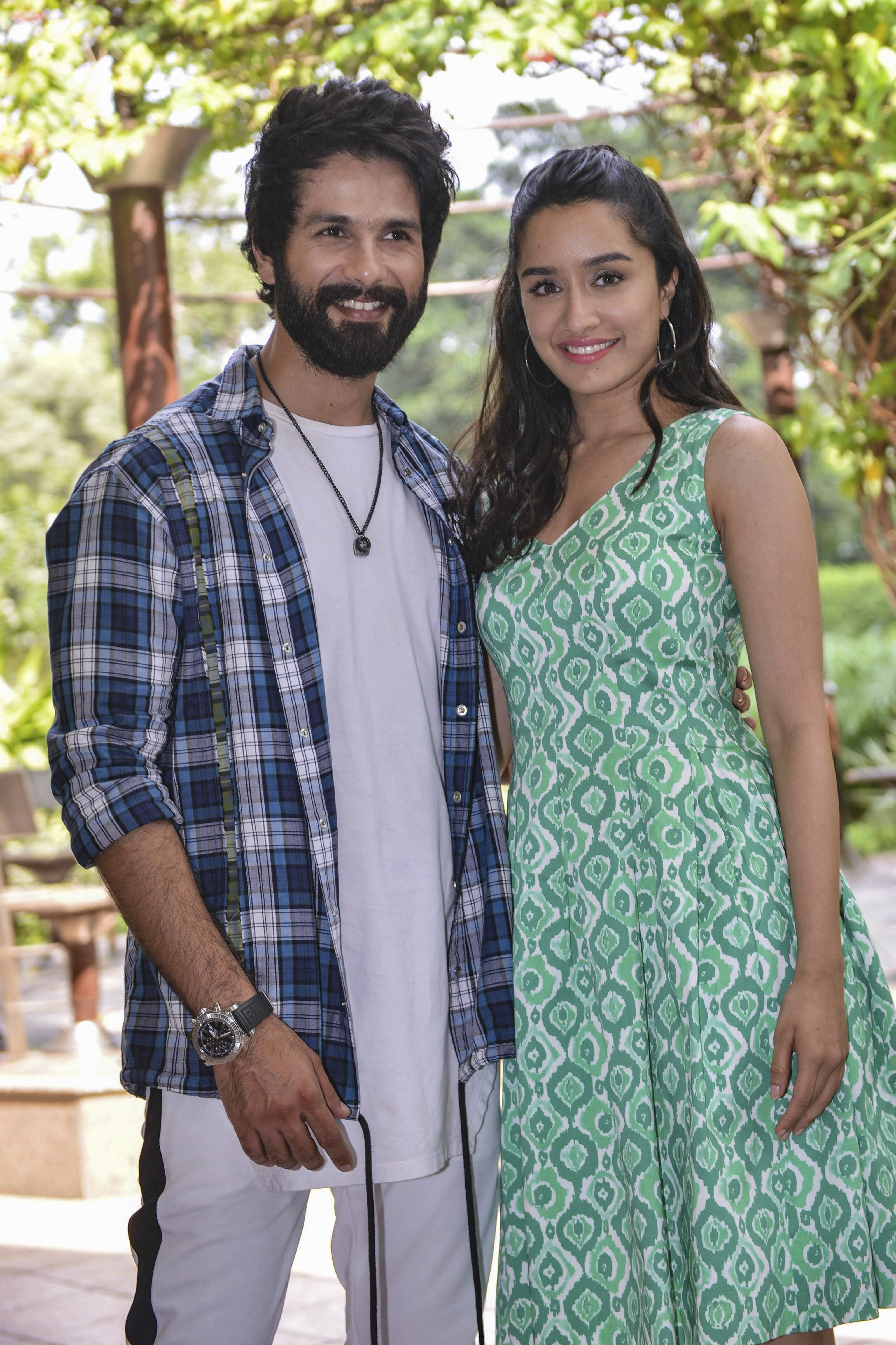 Bollywood actor Shahid Kapoor and Shraddha Kapoor pose for photo during a promotion from 'Batti Gul Meter Chalu', in New Delhi - PTI