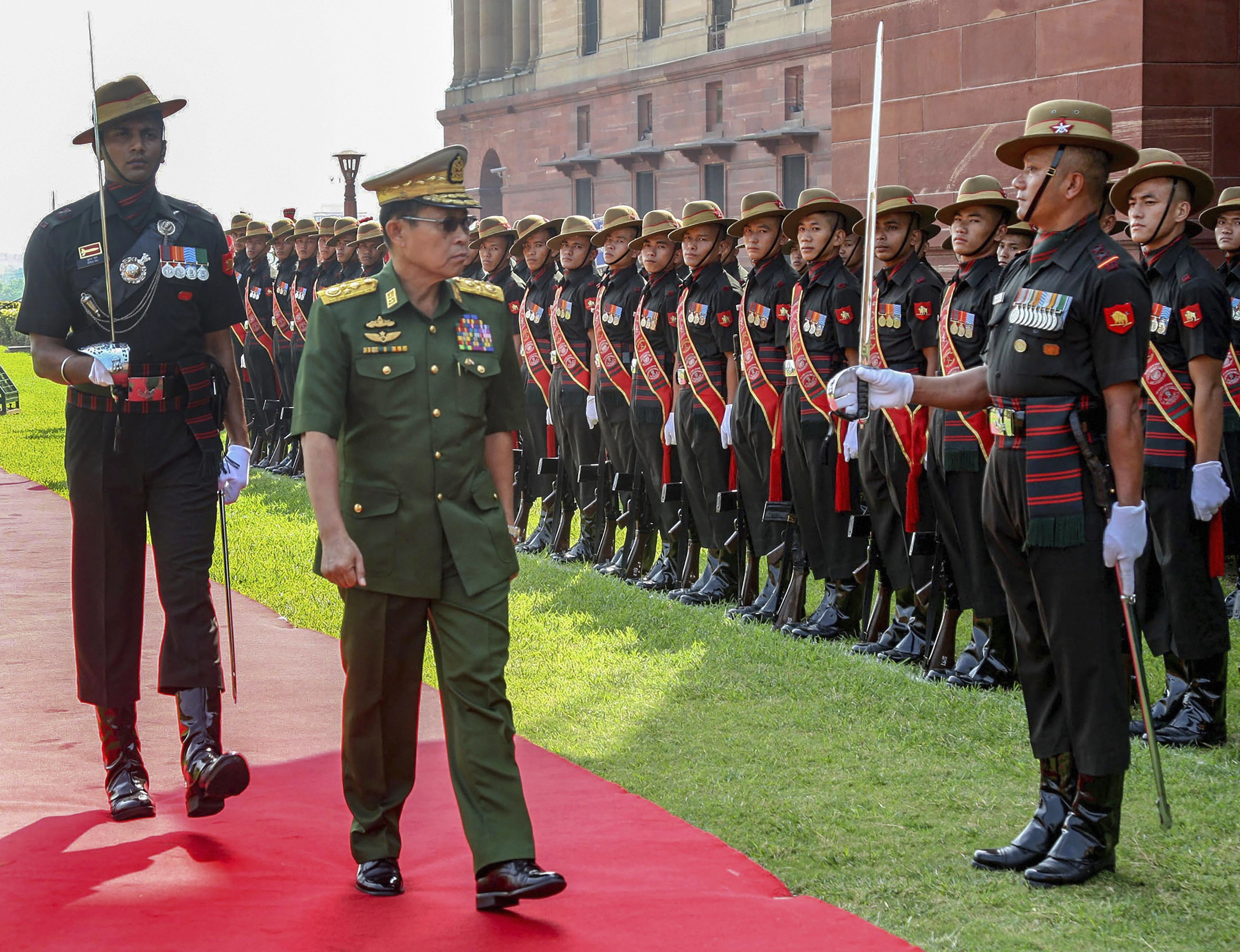 Deputy Commander-in-Chief, Myanmar Defence Services & Commander-in-Chief (Army), Vice Senior General Soe Win inspects the Guard of Honour, in New Delhi - PTI