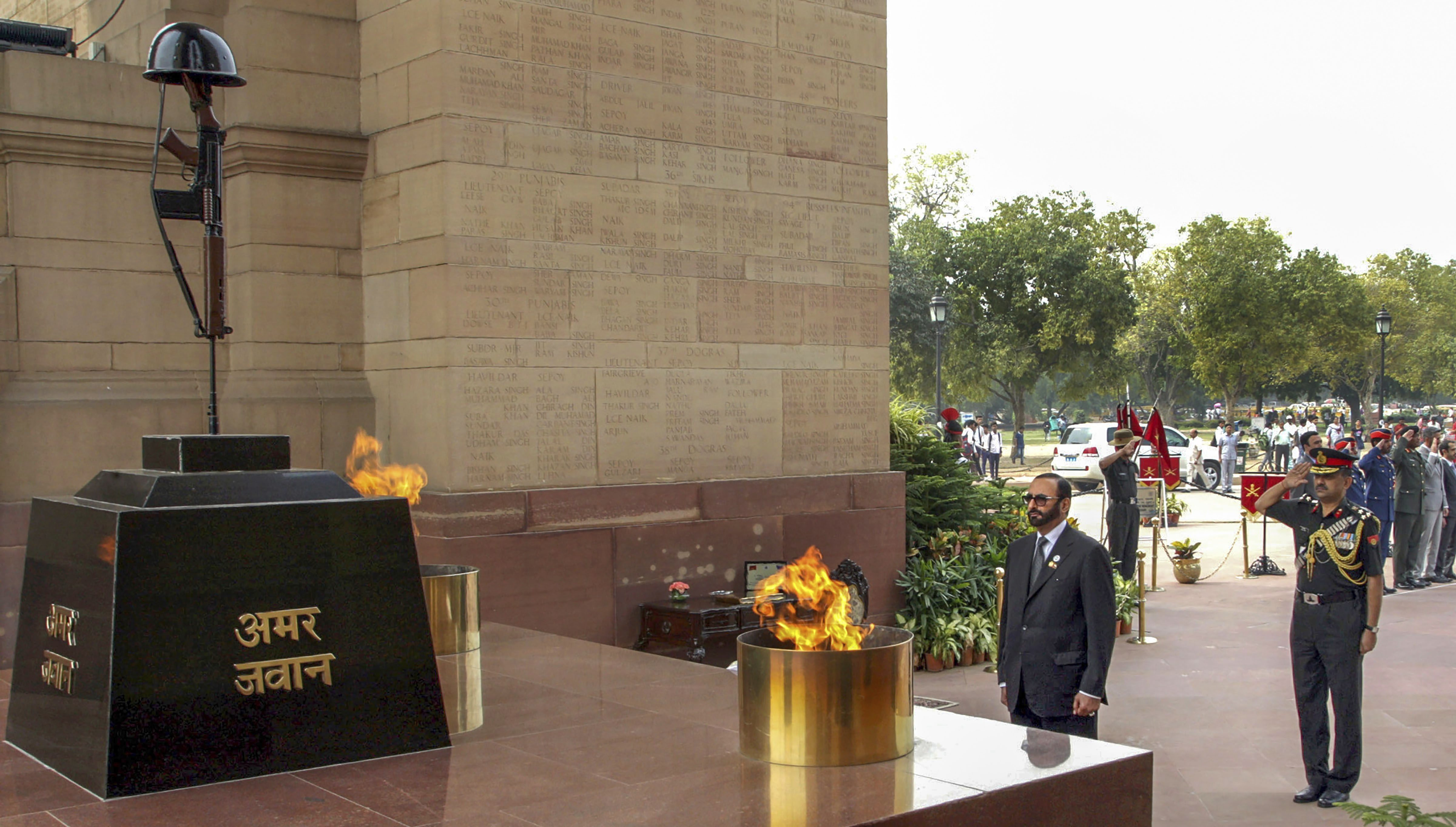 UAE Minister of State for Defence Affairs Mohammed Ahmed Al Bowardi pays homage to the martyrs, at Amar Jawan Jyoti near India Gate in New Delhi - PTI
